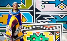 Exposição virtual exibe obras de Esther Mahlangu